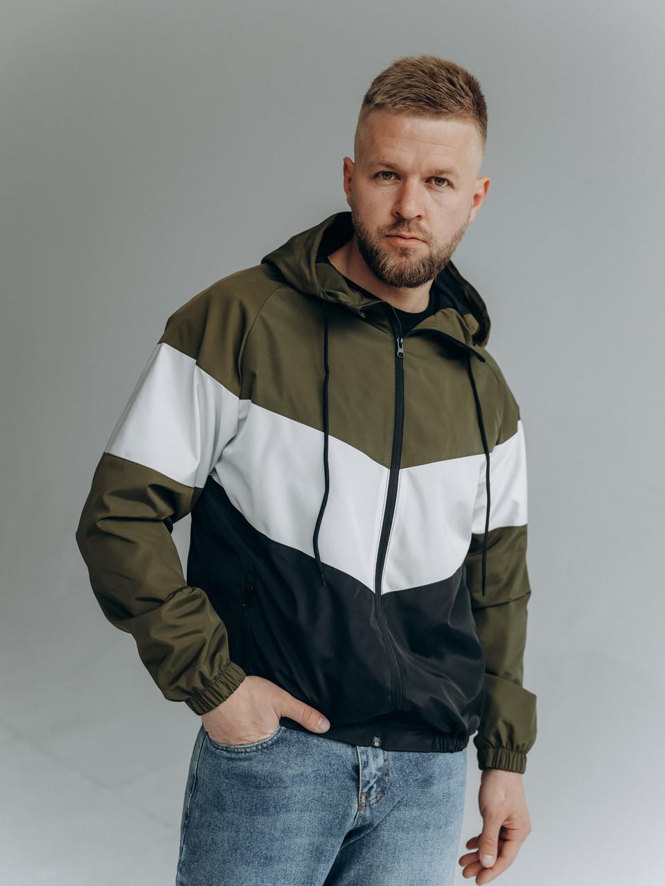 Чоловіче демісезонне триколірна вітровка з капюшоном/Куртка молодіжна вітрозахисна з плащової тканини з кишенями
