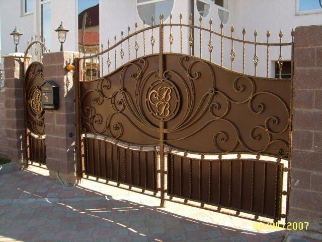 Кованые декоративные ворота
