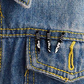 Значок металевий Пін Pin City-A Ножик Ноги №1798, фото 2