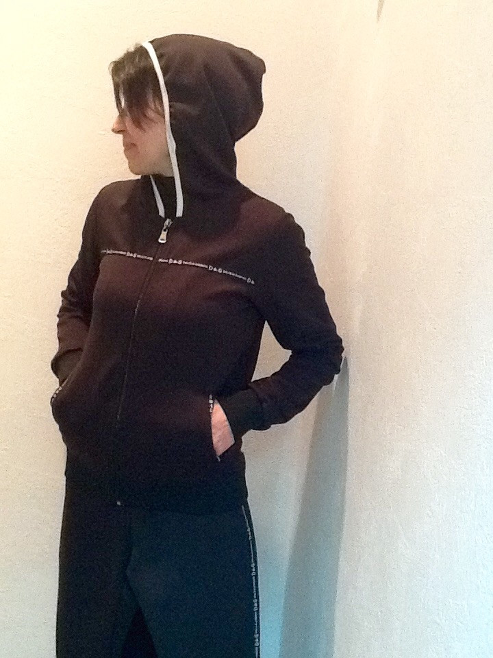 Костюм спортивный Dolce&Gabbana черный с лампасами