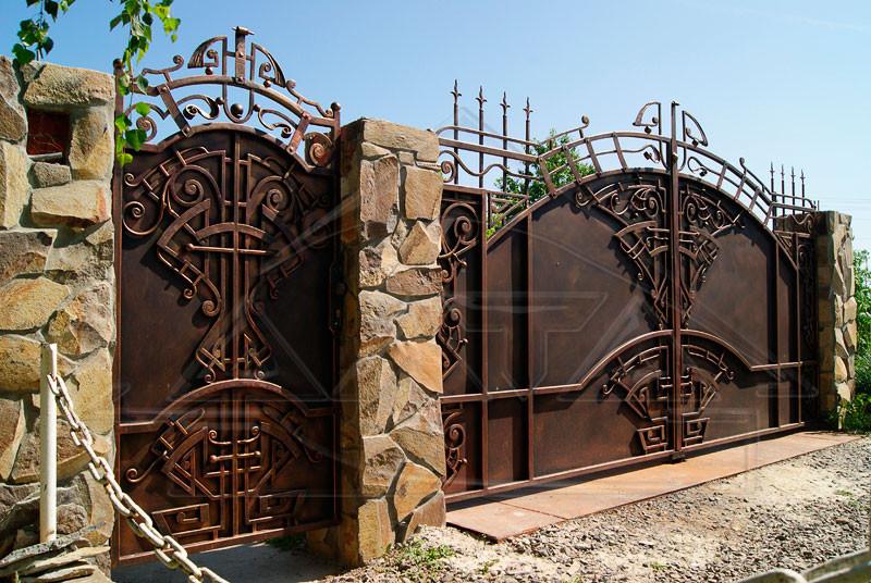 Ковані майстром ворота