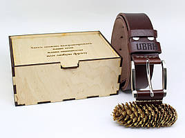 Кожаный ремень с гравировкой в деревянной коробке BT-40