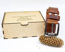 Кожаный ремень с гравировкой в деревянной коробке BT-45