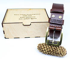 Шкіряний ремінь з гравіюванням у дерев'яній коробці BT-47