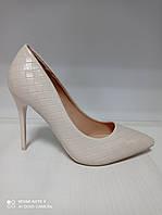 Туфли женские на шпильке бежевые