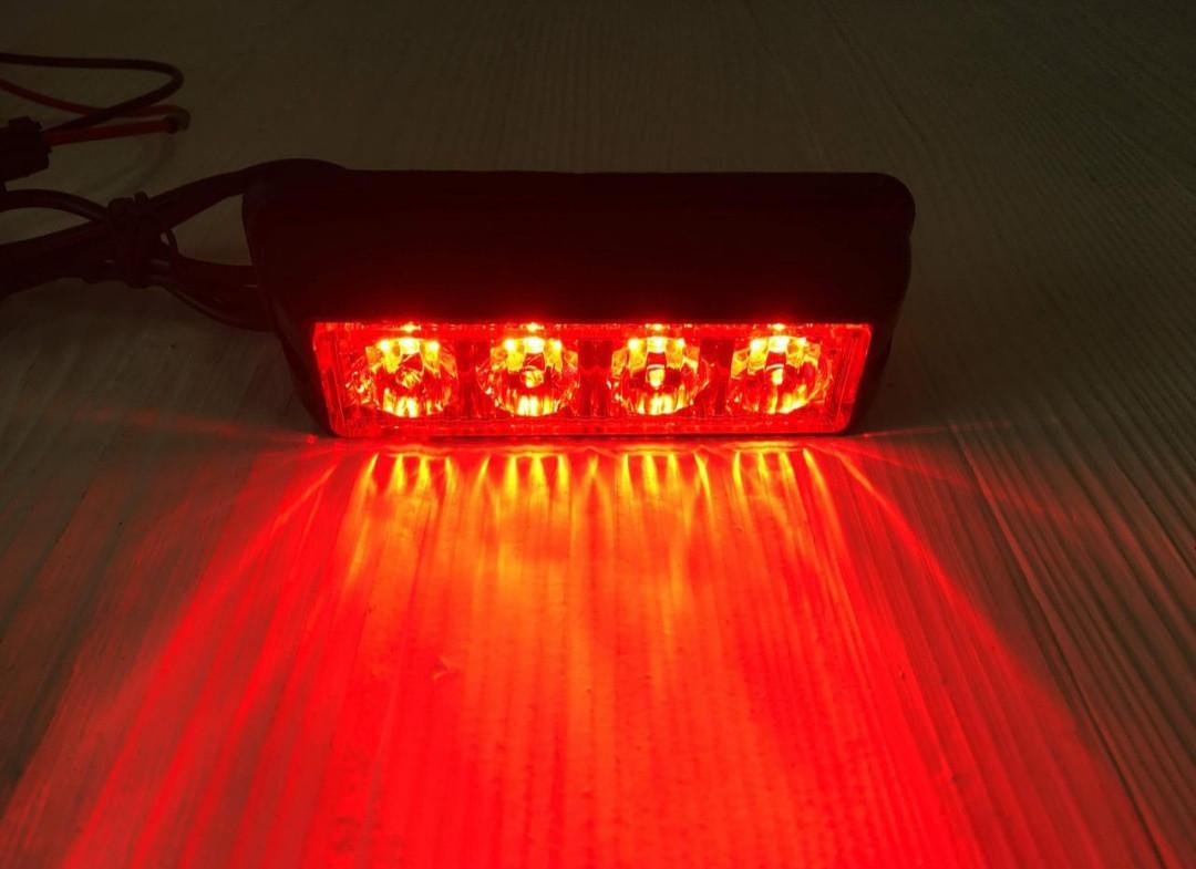 Проблесковый сигнальный красный  LED стробоскоп/маячок в решетку .бампер.Проблесковый маячок для авто -12-24V