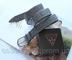 Женский кожаный ремень с тиснением Guess серый