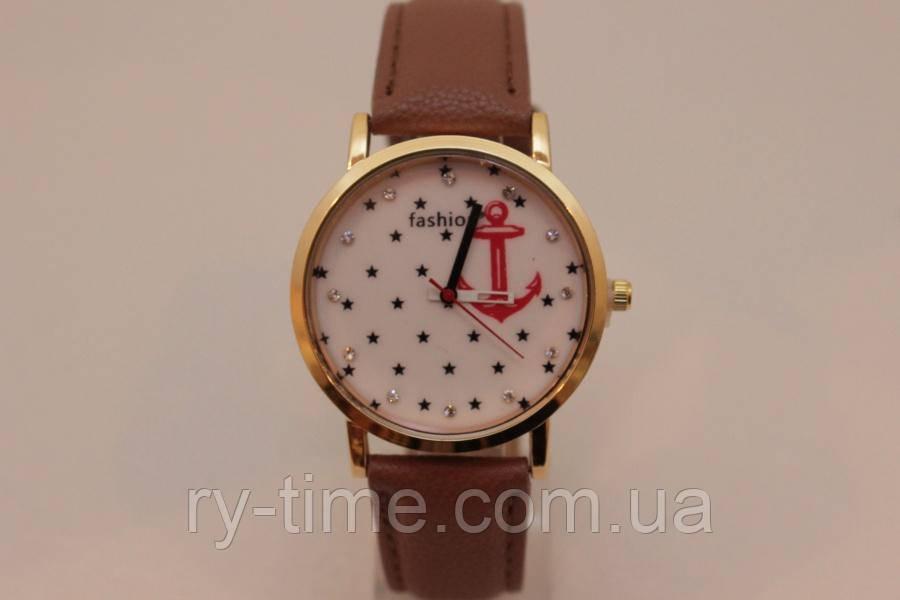 *Жіночі годинники на ремені (22265), точний хід.