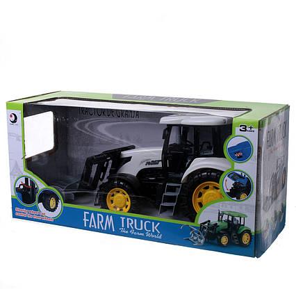Трактор с ковшом 1504-2C