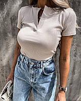 Женская футболка в рубчик под горло