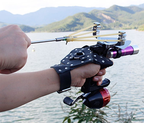 Рогатка для охоты за рыбой для боуфишинга металлическая с фонариком