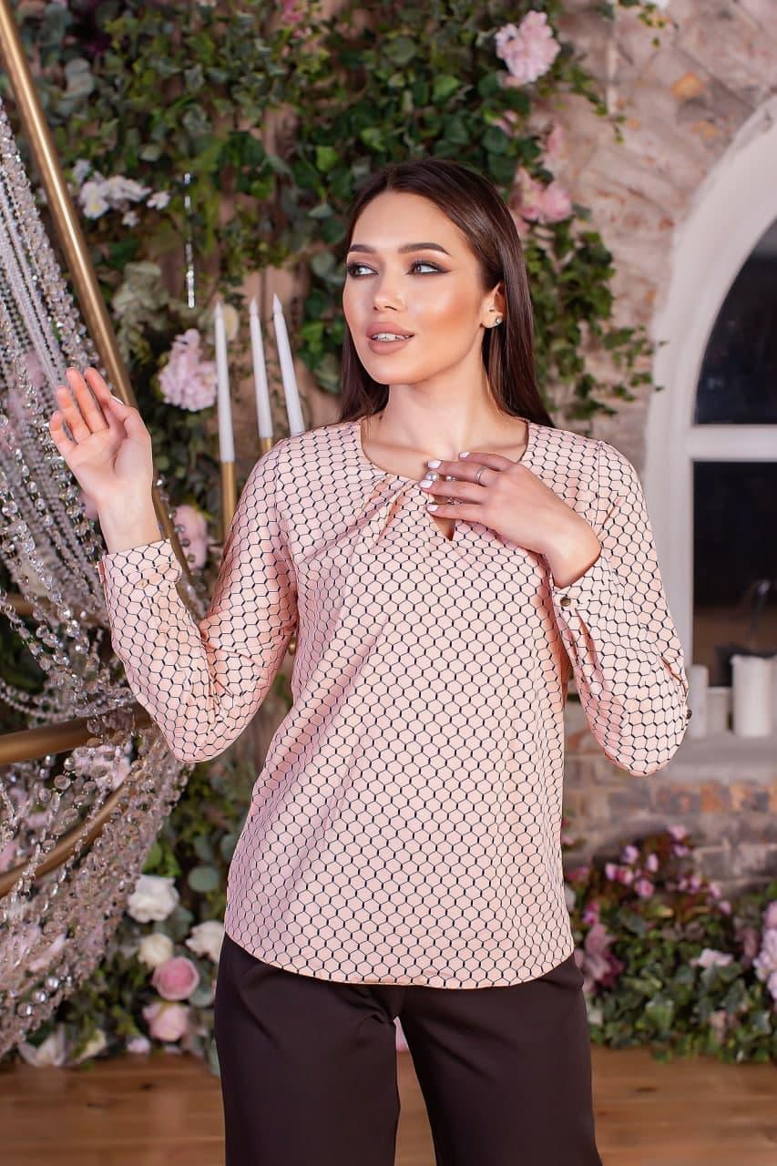 """Женская розовая блузка с принтом """"соты"""" (42-56)"""
