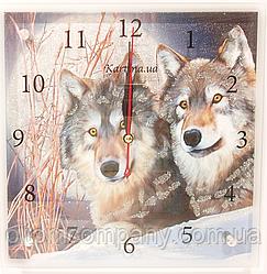 Часы настенные с волками
