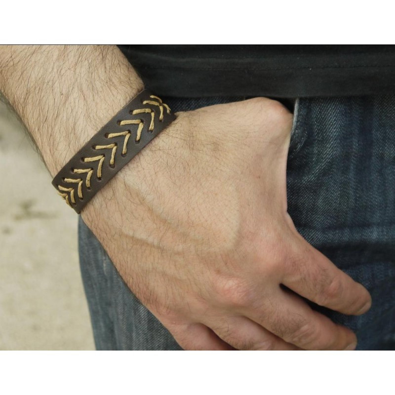 Браслет вузький шкіряний прошитий вощеною ниткою у вигляді стріл