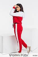 Яскравий червоний спортивний костюм з принтом накаткою з 42 по 52 розмір, фото 3