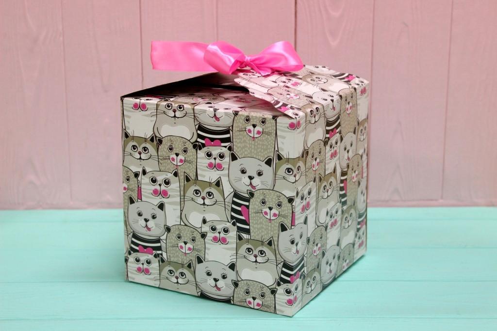 Подарункова коробка Упаковкин 16*16*16см №КР 16-4