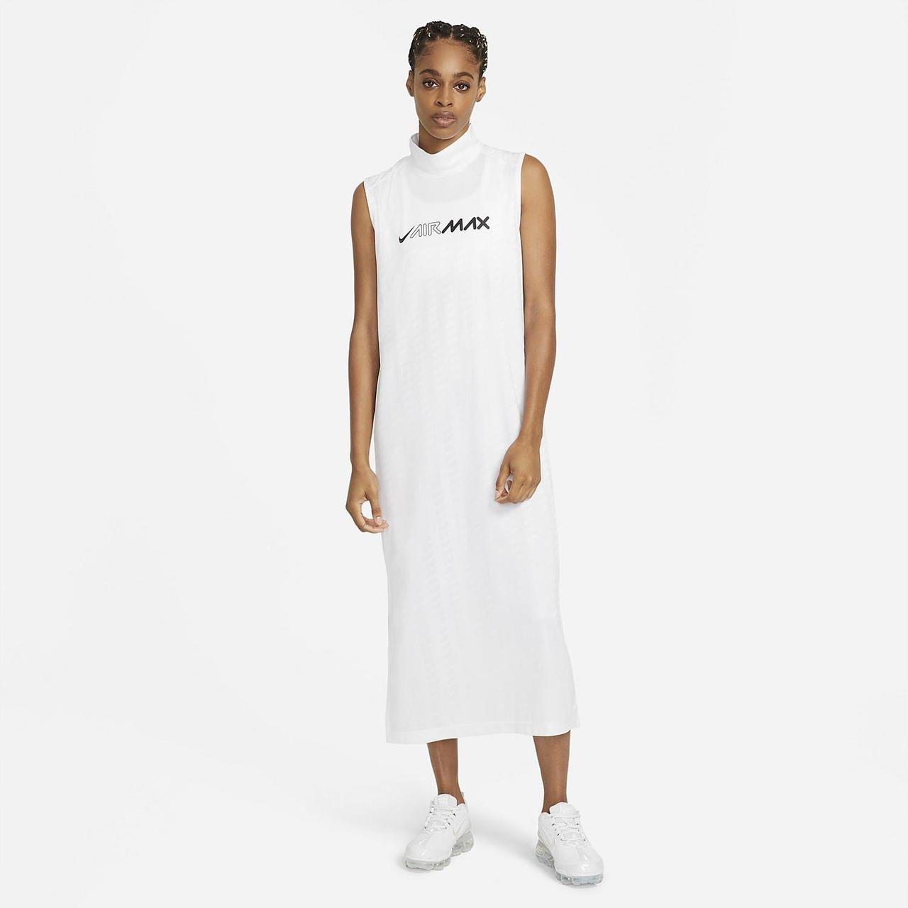 Платье Nike Sportswear AirMax CZ8282-100