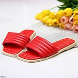 Трендові яскраві червоні зручні капці дутики жіночі шльопанці, фото 6
