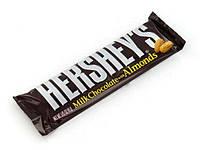 Батончик c молочным шоколадом и миндалем Hershey's, 43г