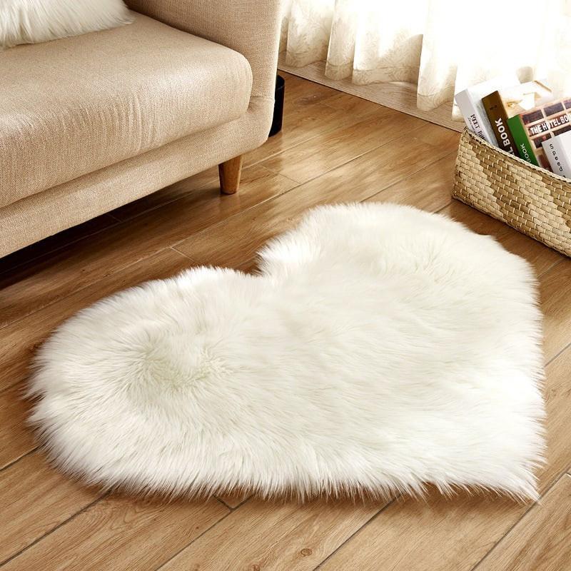 Мягкий пушистый меховой коврик, красивый ковер сердце для декора, декоративный подарочный прикроватный 70*90