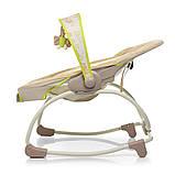 Дитяче крісло-качалка шезлонг 2в1 Mastela, з музикою і виброрежимом бежевий колір від народження до 18 кг, фото 4