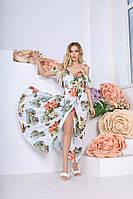 Красивое летнее платье сарафан на бретелях-завязках с глубоким вырезом белое с принтом розы