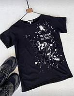 Женская футболка с надписью и изображением