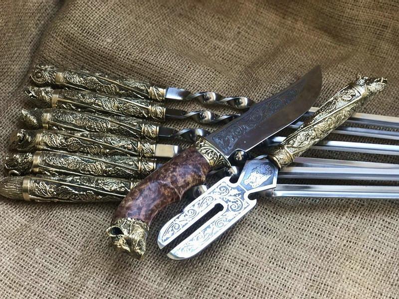"""Шампура подарочные с бронзовыми ручками """"Дикие звери"""" с вилкой и ножом, в кожаном колчане"""