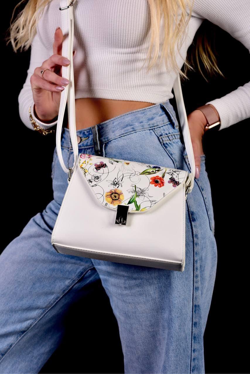 Женская белая сумка с цветочным принтом код 7-8001