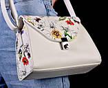 Женская белая сумка с цветочным принтом код 7-8001, фото 3