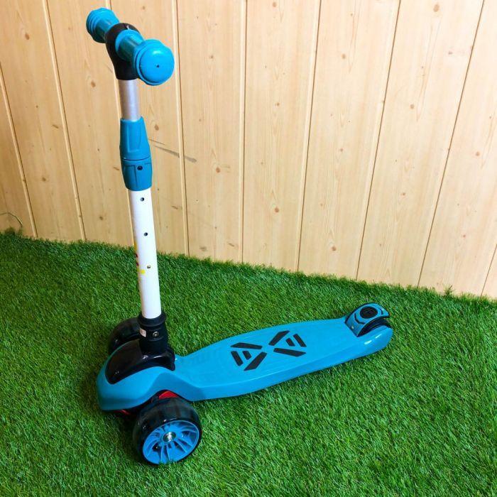 Дитячий самокат триколісний Best Scooter складаний самокат кикборд з світяться колеса з поворотним кермом
