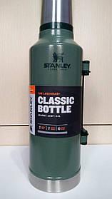 Лот №4, Термос STANLEY Classic Legendary 2.3 литра зелёный, состояние (5) по пятибалльной шкале