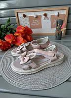 Розовые босоножки для девочек