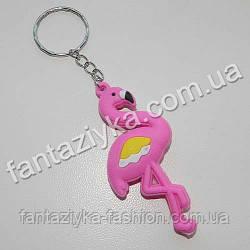 Брелок резиновый Фламинго малиновый