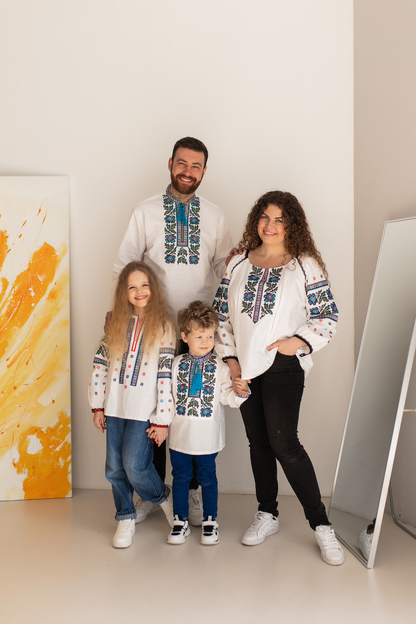 Комплект семейных вышиванок Борщеговка