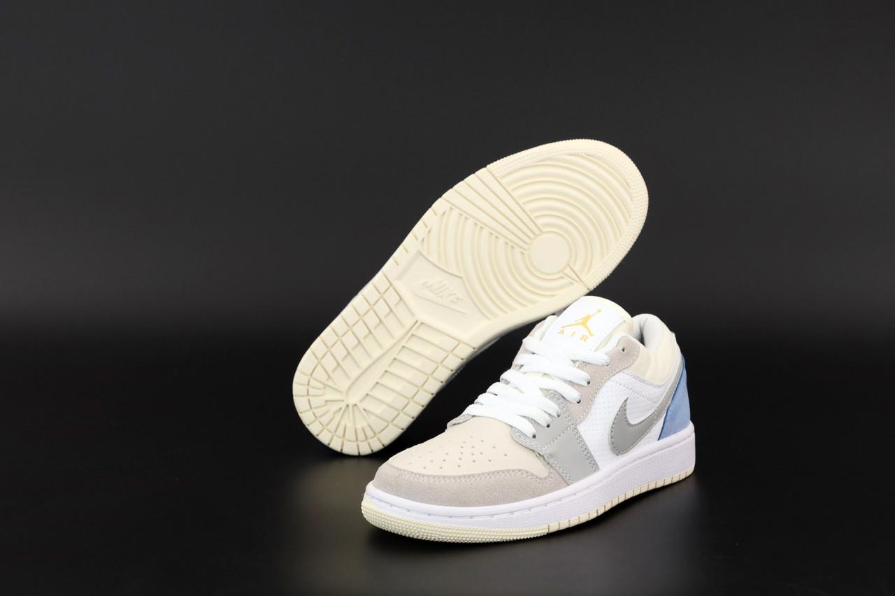 Жіночі кросівки Nike Air Jordan 1 Retro Low