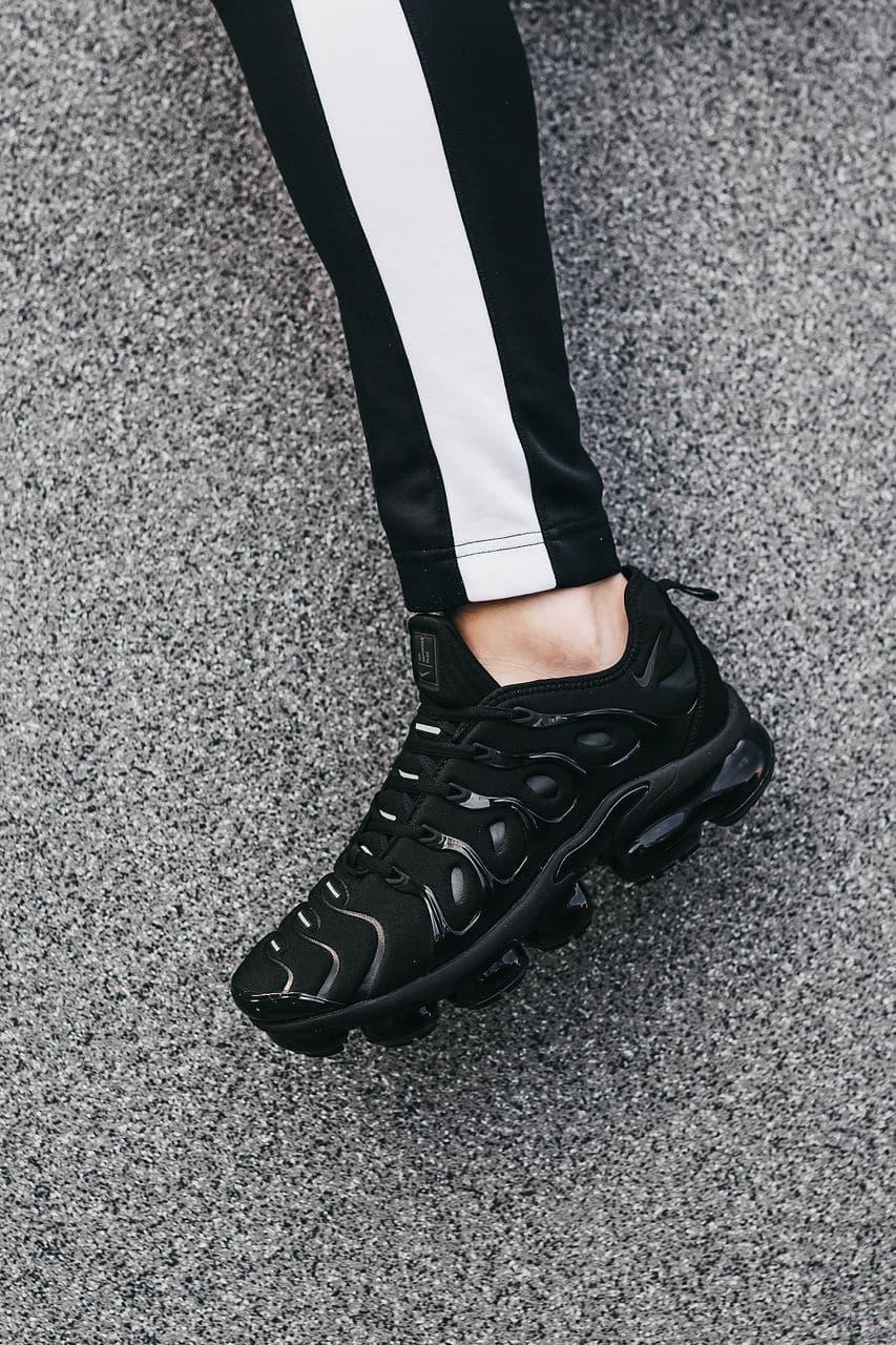 Чорні чоловічі Кросівки Nike Plus VaporMax
