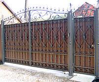 Открытые кованые ворота