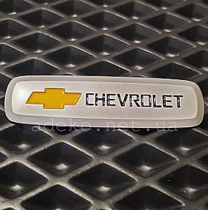 Шильдик с логотипом Chevrolet для ЕВА ковриков