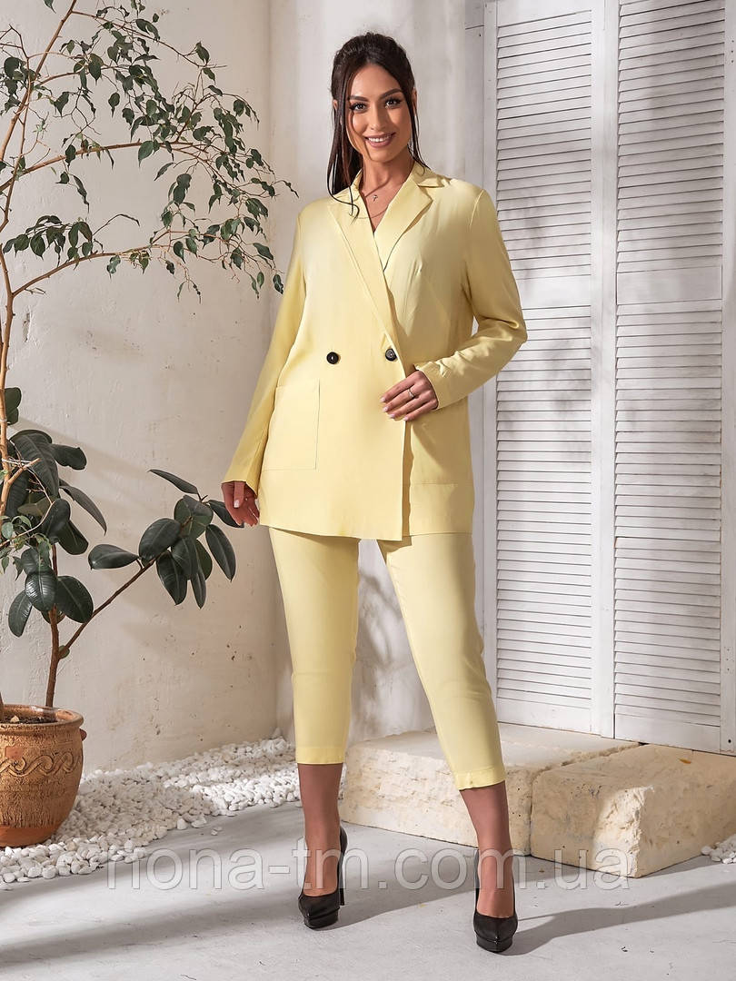 Костюм женский двойка (пиджак и бриджи) большого размера