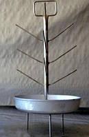 Елка с алюминиевой тарелкой