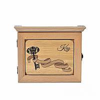 Деревянная настенная ключница Заветный ключ (светлое дерево)