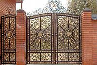 Гаражные кованые ворота