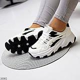 Актуальні чорно - білі жіночі кросівки снікерси з рефлективными вставками 38-24 см, фото 4