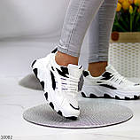 Актуальні чорно - білі жіночі кросівки снікерси з рефлективными вставками 38-24 см, фото 6