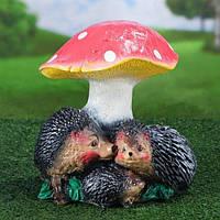 """Садова фігура """"Сім'я їжаків під грибом"""" 26см."""