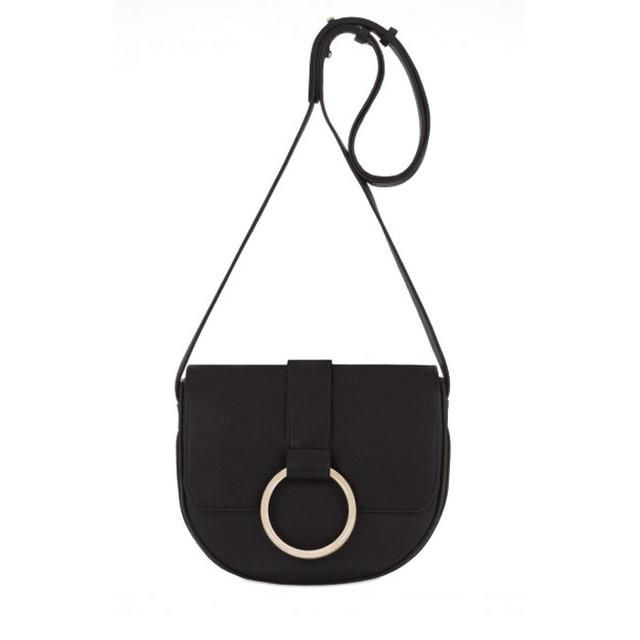 Coccinelle Cross Body Bag черного цвета вид спереди
