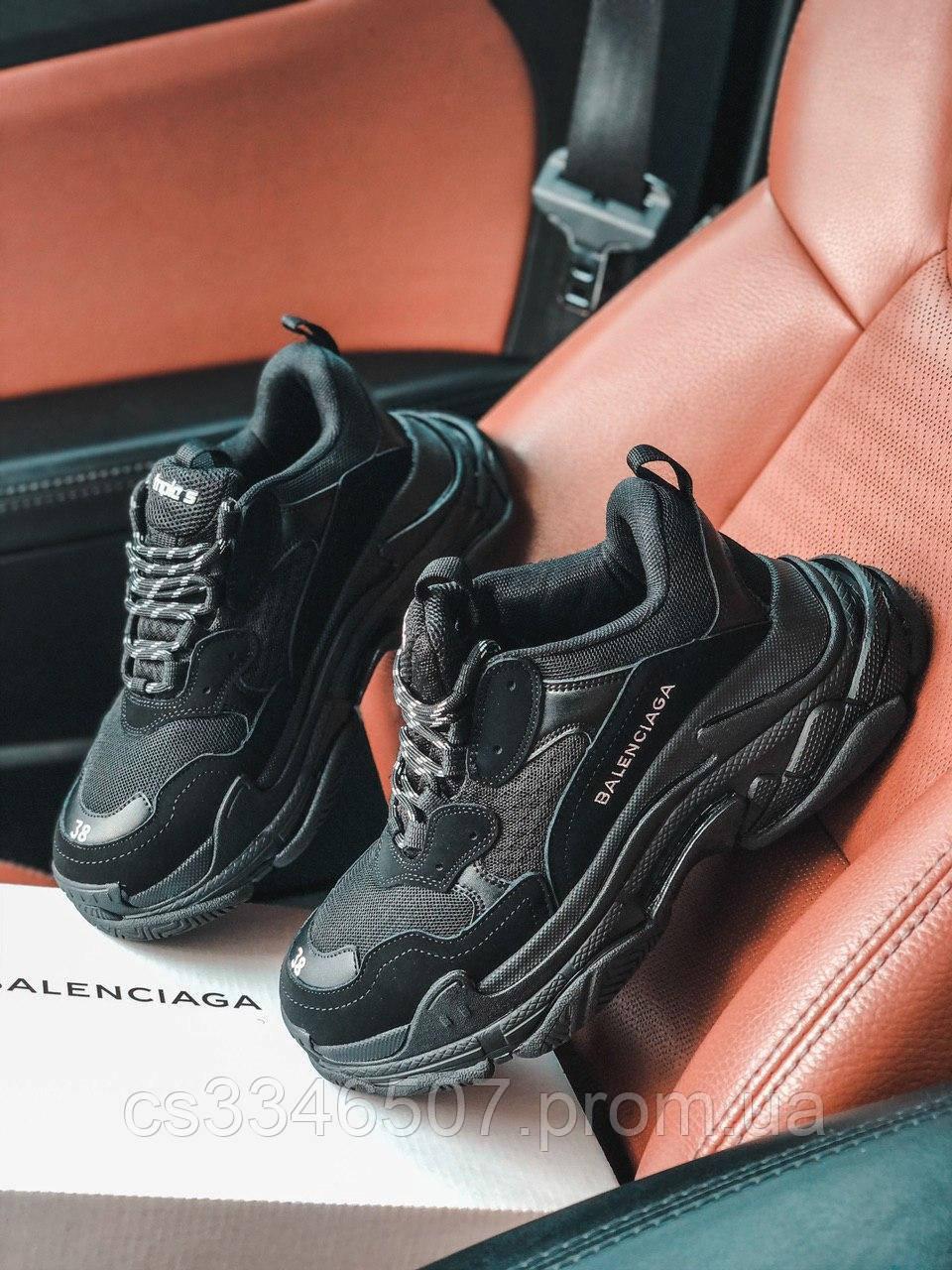 Кросівки Balenciaga Triple S All Black. Шкіряні чорні кросівки Баленсіага