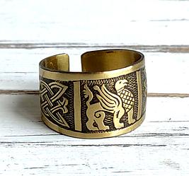 Кольцо этническое этническое латунное с орнаментом Грифон