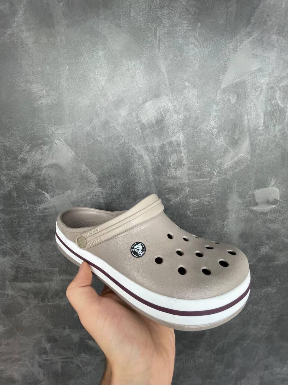 Шлепанцы / сланцы унисекс Crocs Crocband бежевые. Женские / мужские сабо Крокс бежевого цвета.